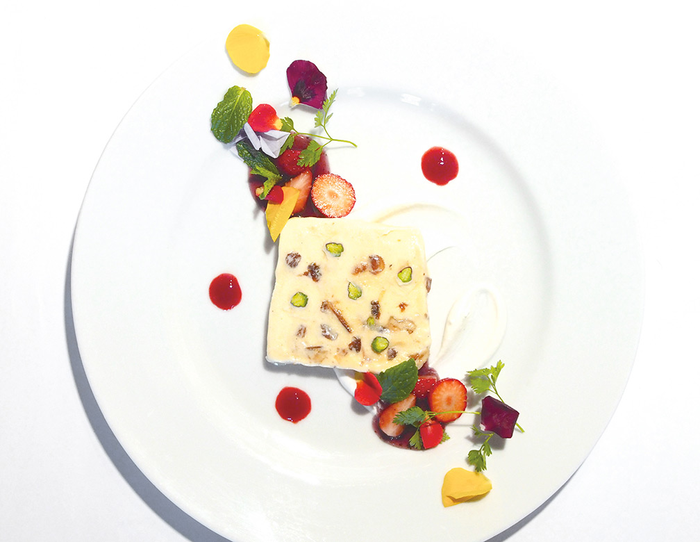 ドライフルーツと木の実の ヌガーグラッセ ~アイスケーキ~